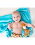 zoocchini_Giraffe_ZOO3005_buddy-blanket_00519_package_model (1)